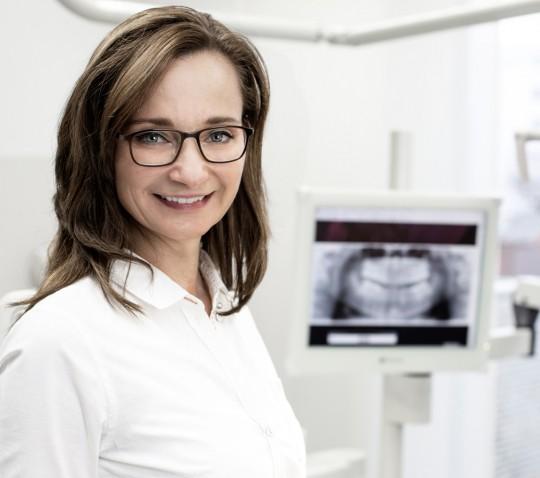 Zahnarzt Erding, Dr. Ivana Moreano, Schlafmedizin, Prophylaxe, Zahnreinigung, Notdienst